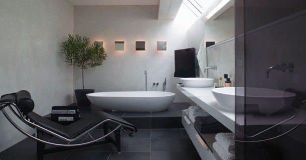 Med det store fritstående Spoon-badekar