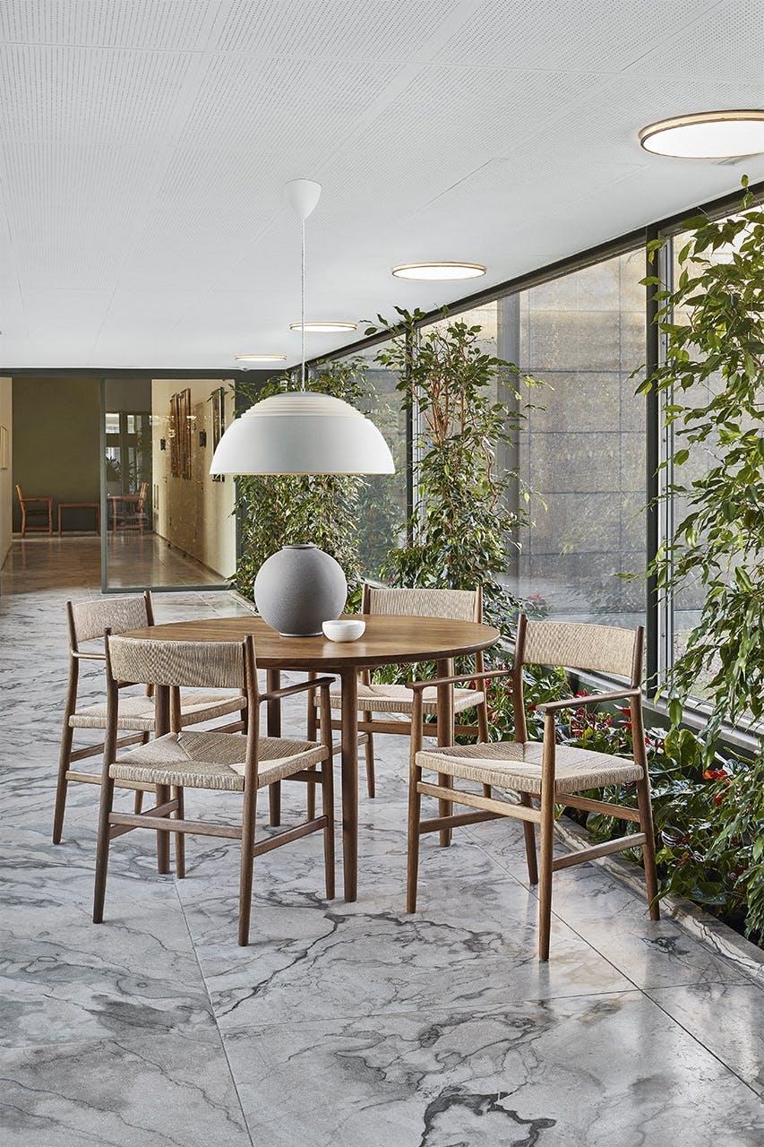 arne jacobsen indretning design stol spisebord lampe