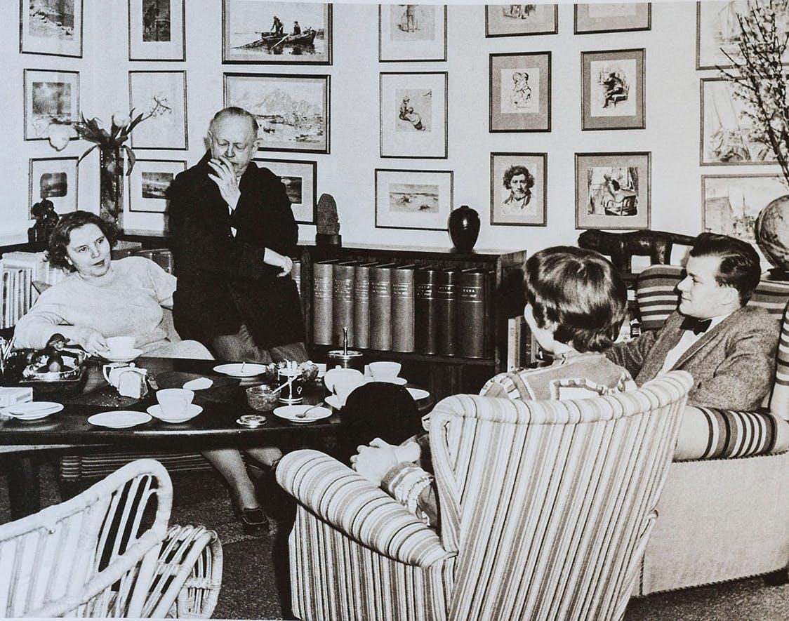 Erna og Kay Bojesens stue hjem