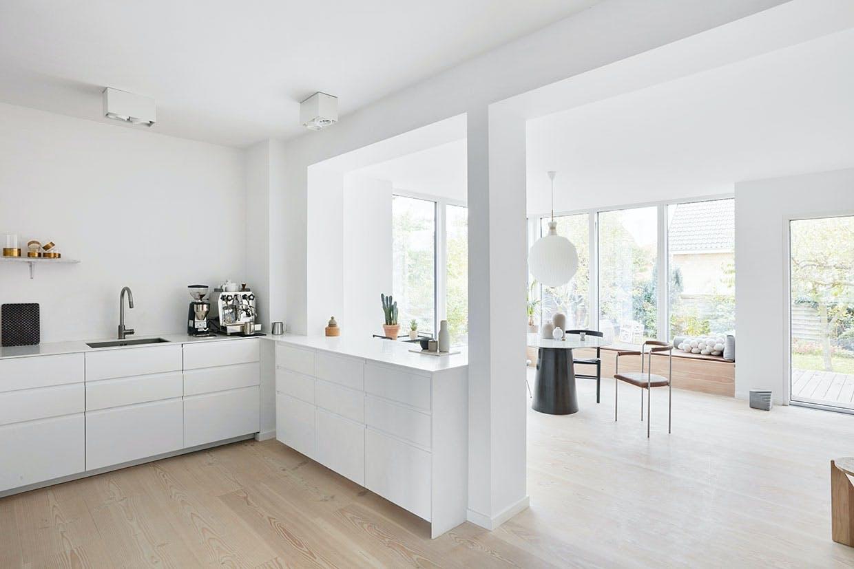 køkken hvidt køkkenalrum stue tilbygning
