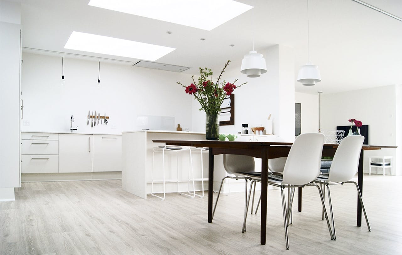 parcelhus renovering tips ombygning køkken spisebord