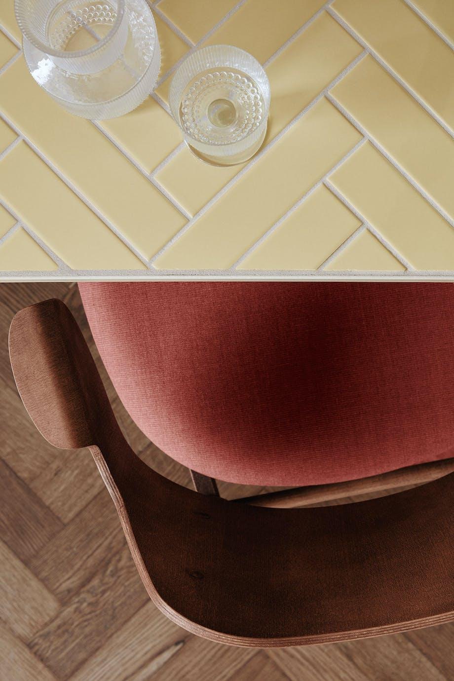 warm nordic tile bord charlotte hønckes herringbone Gesture Chair Hans Olsen