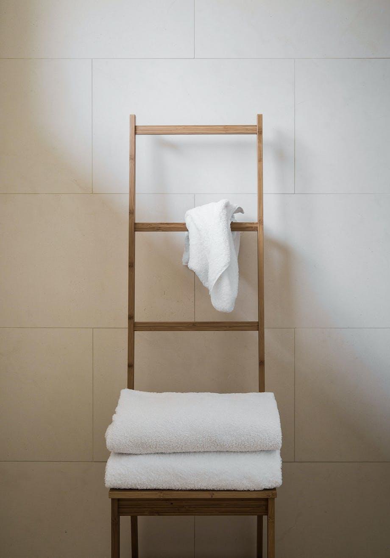 badeværelse stige stol opbevaring håndklæder