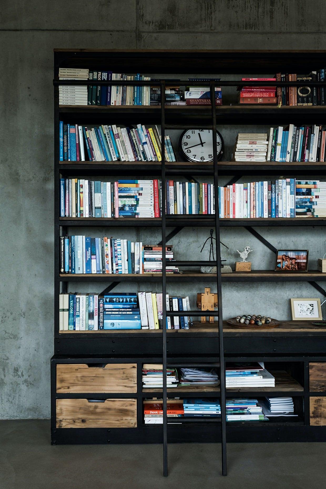 bogreol stige Direkte Import bøger