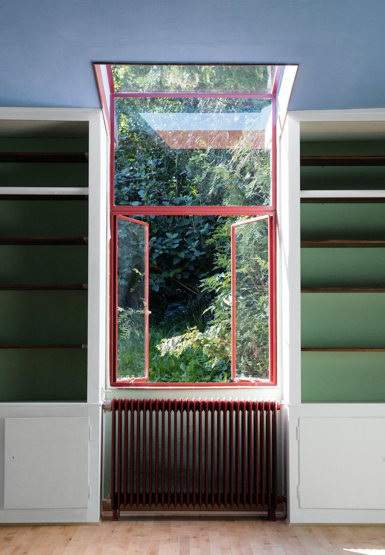 Poul Henningsens hus med vinduer i jern