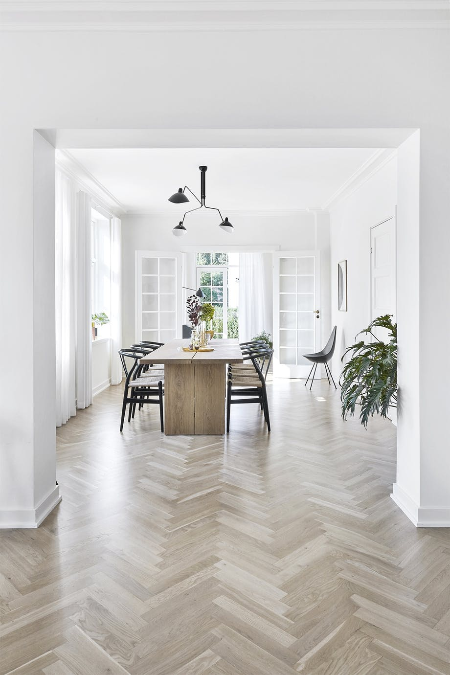 villa hellerup indretning spisestue spisebord stole