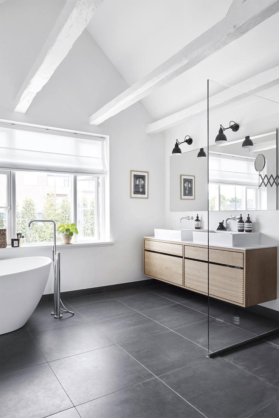 villa hellerup indretning badeværelse