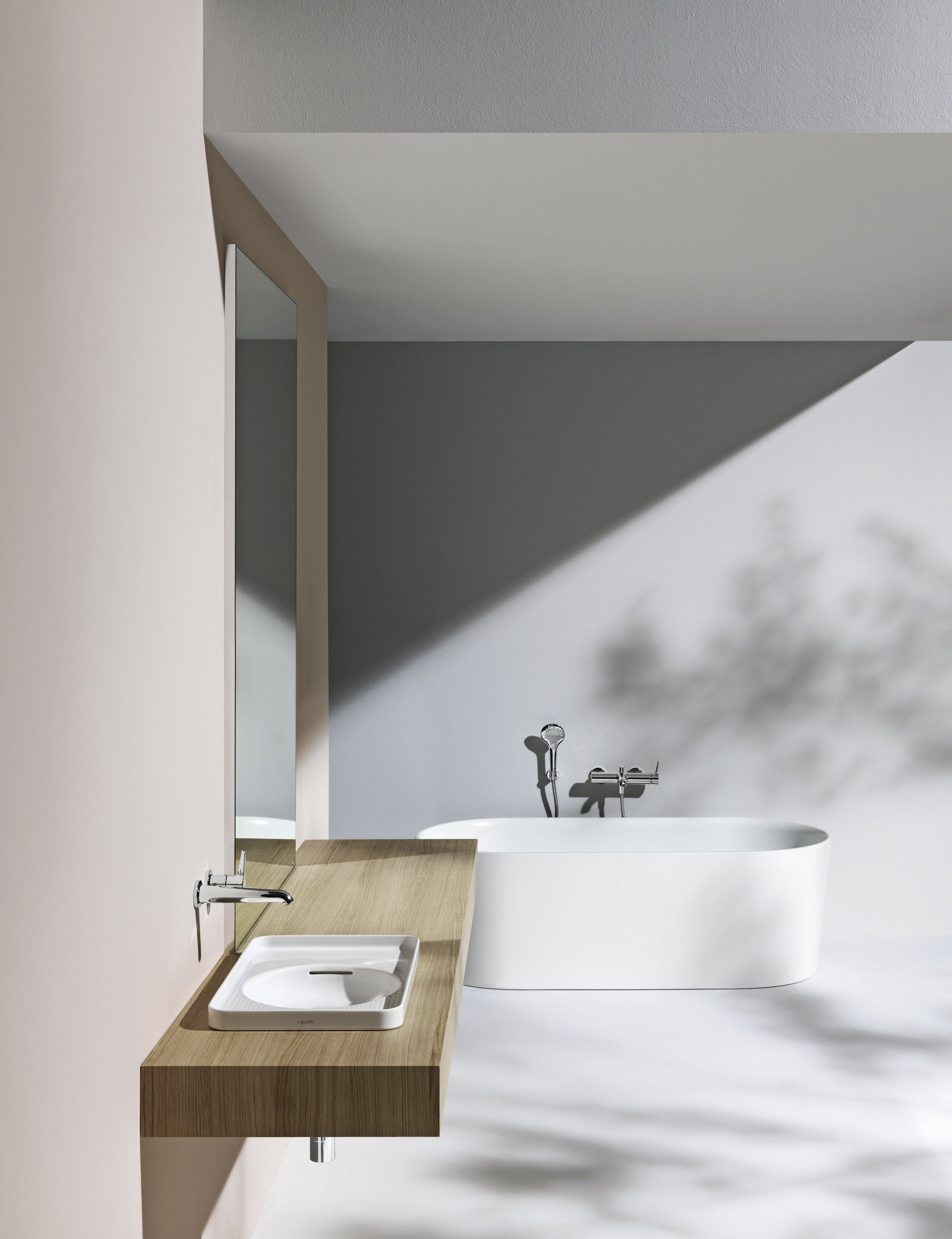badeværelse pastel laufen håndvask badekar