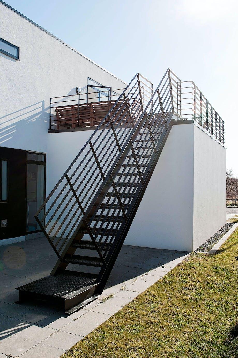 trappe terrasse hus have græsplæne