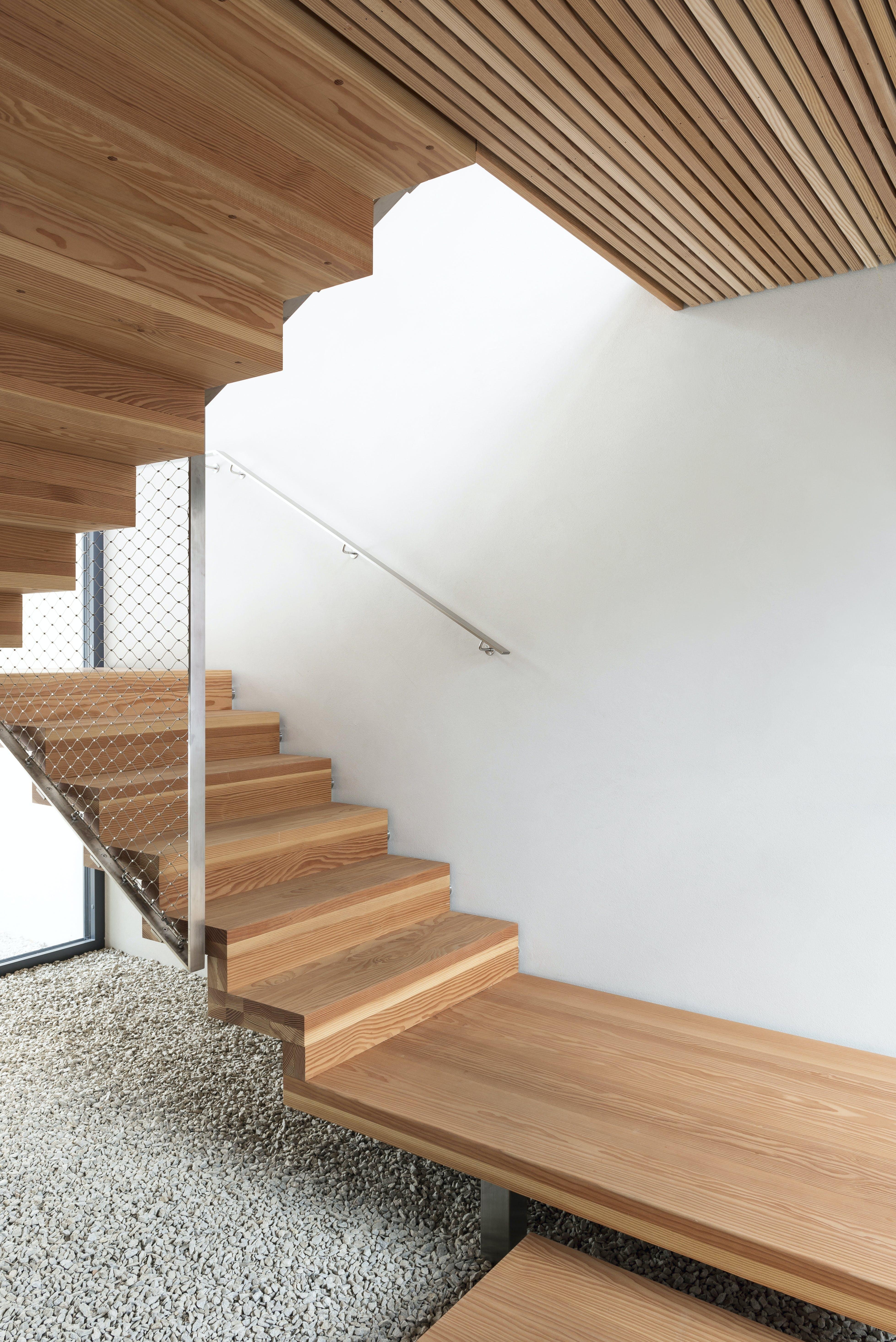 trappe grus træ