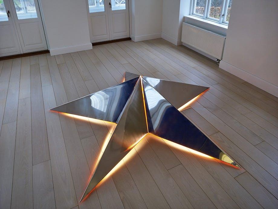 lyskunst på galleri DGV i svendborg stjerne lys