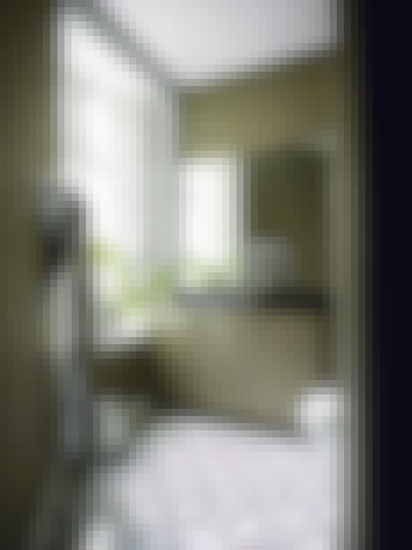 badeværelse fliser spejl toilet