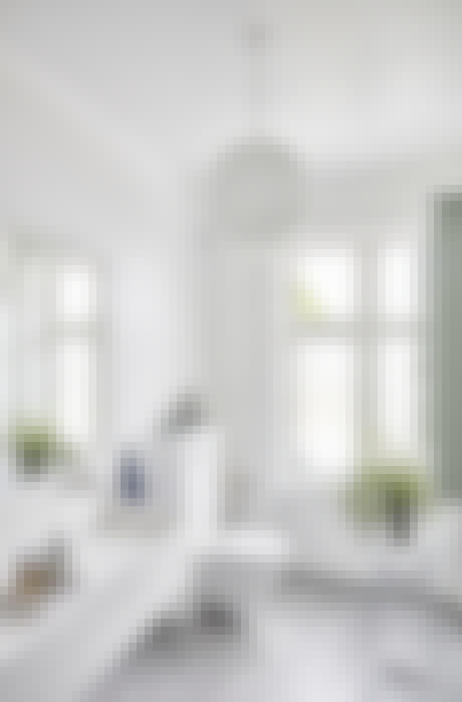 villa herskabsvilla indretning bolig badeværelse hvid