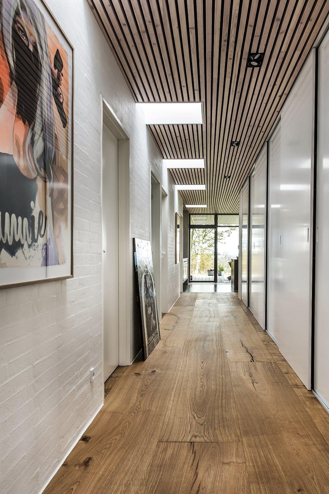 bolig boliger indretning arkitekttegnet huse gang hvid