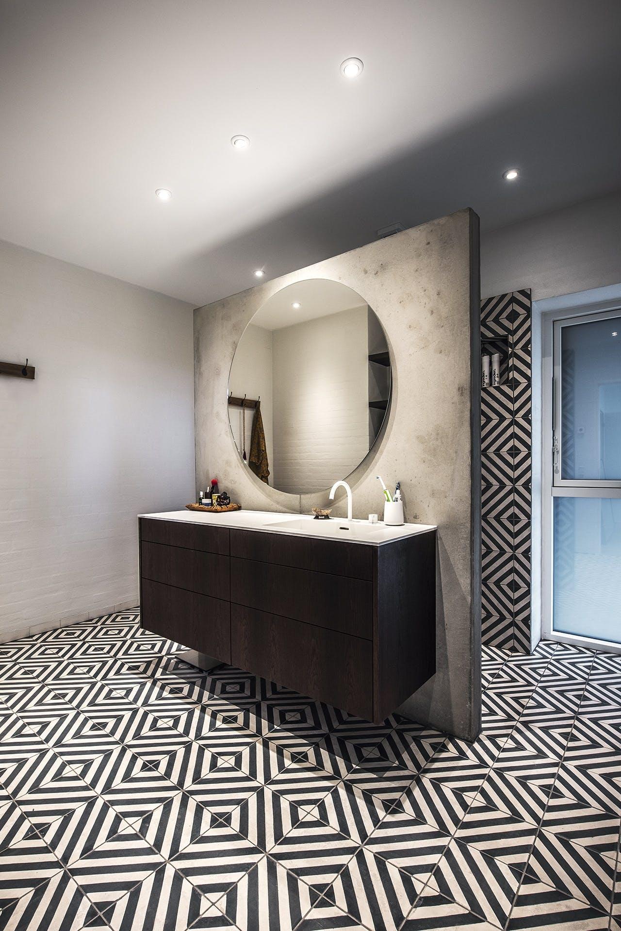 bolig boliger indretning arkitekttegnet huse badeværelse spejl