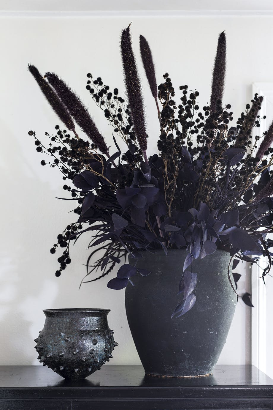 lejlighed villa indretning amager sort vase blomster