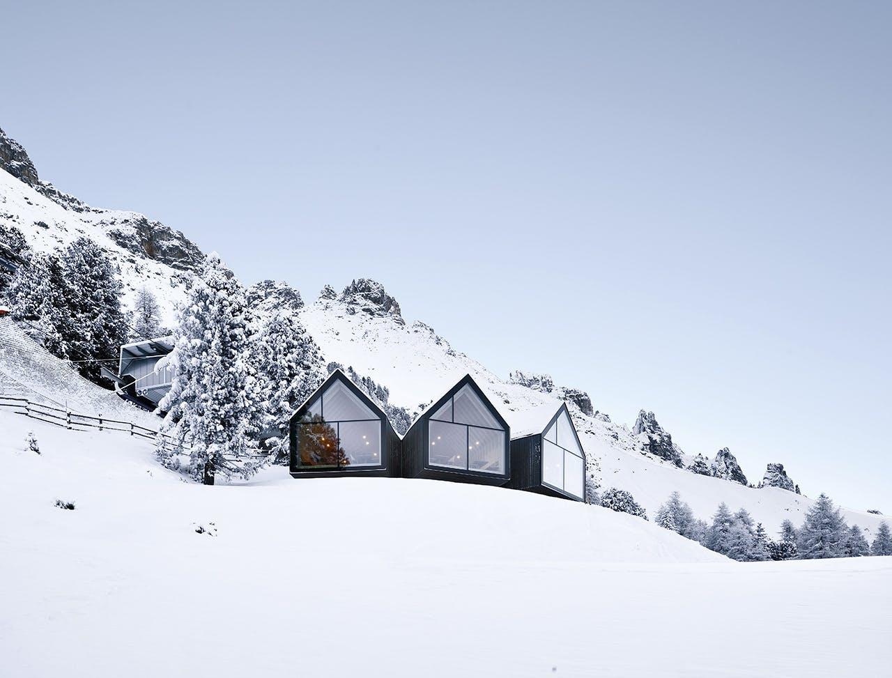 ski skiferie skirejse alperne alpin skiløb skihytte Italien sne