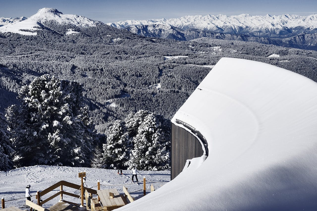 ski skiferie skirejse alperne alpin skiløb skihytte Italien udsigt