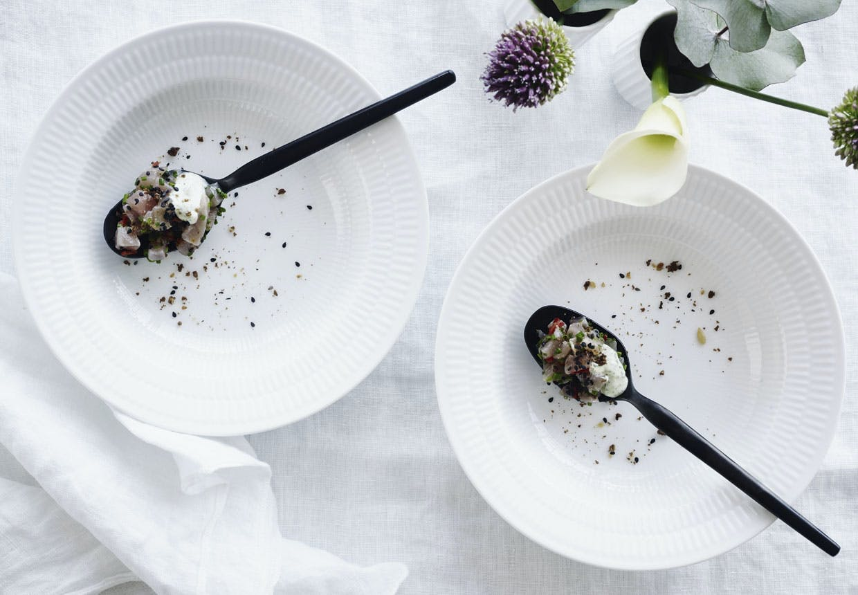 Tuntatar med sprød malt og koriandercreme