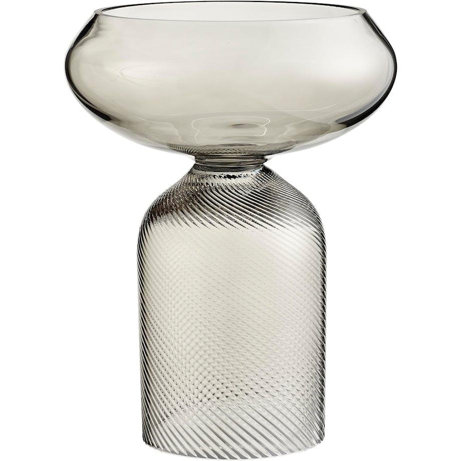 Vase med smuk geometri
