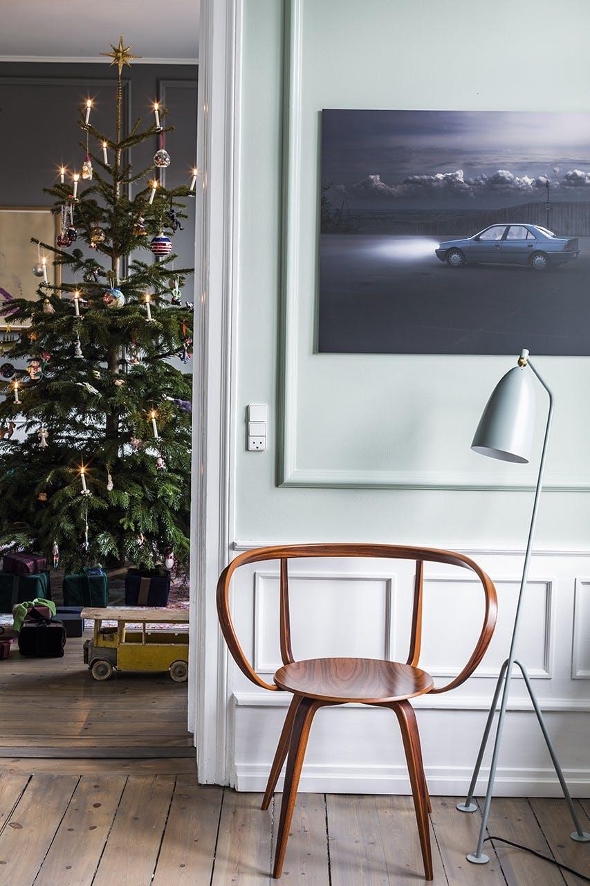 jul bolig indretning hygge lejlighed juletræ stol