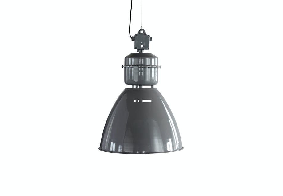 Loftslampe i industrielt design