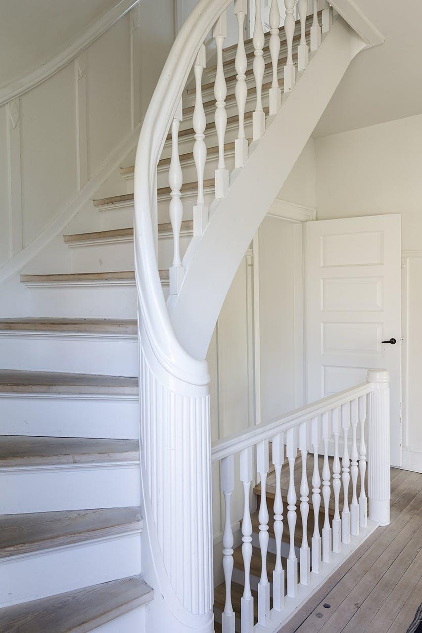 murermestervilla ombygning tilbygning danske boligarkitekter trappe