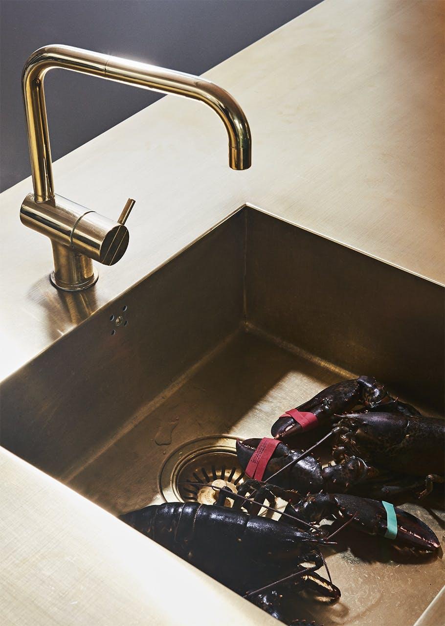 køkken nordic nordisk stil messing vask
