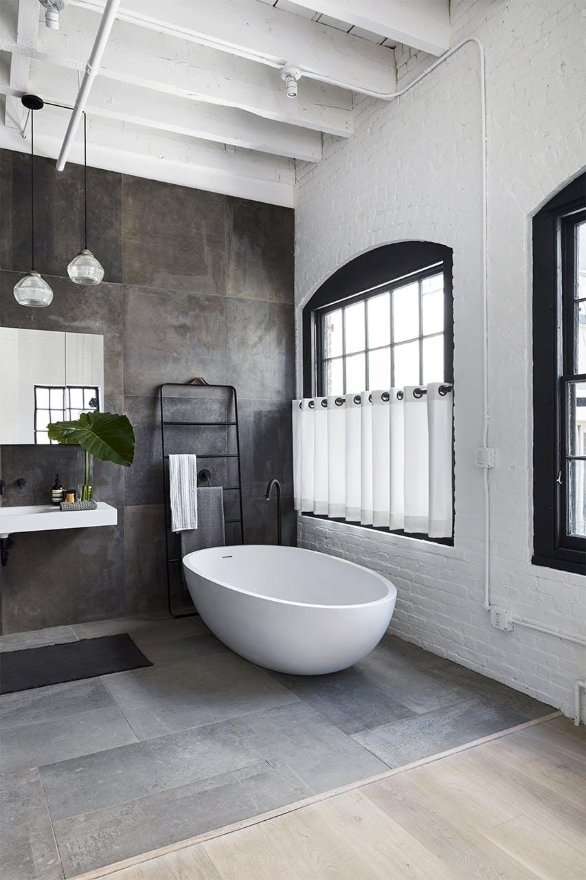 new yorker lejlighed indretning badeværelse badekar