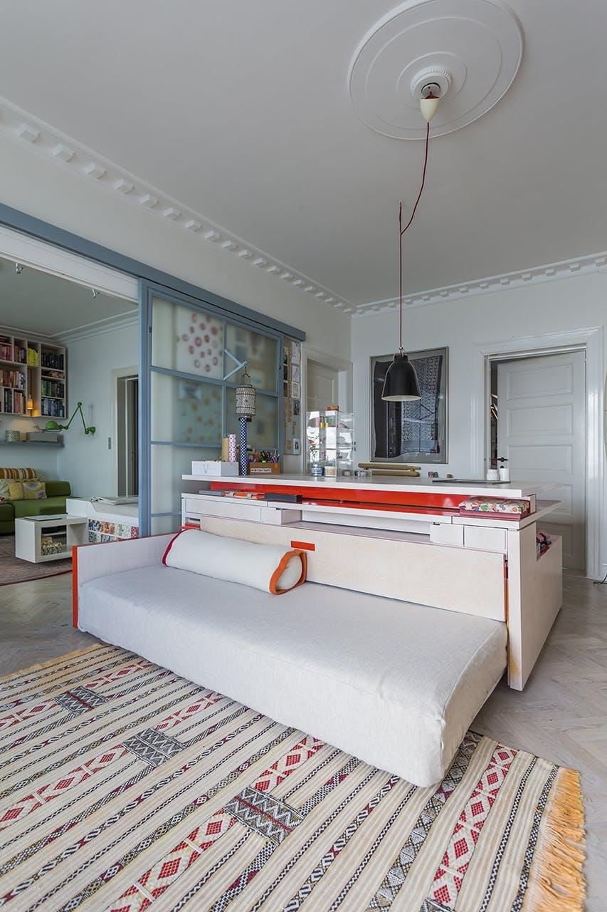 danske boligarkitekter multimøbel hjemmelavet sofa skrivebord
