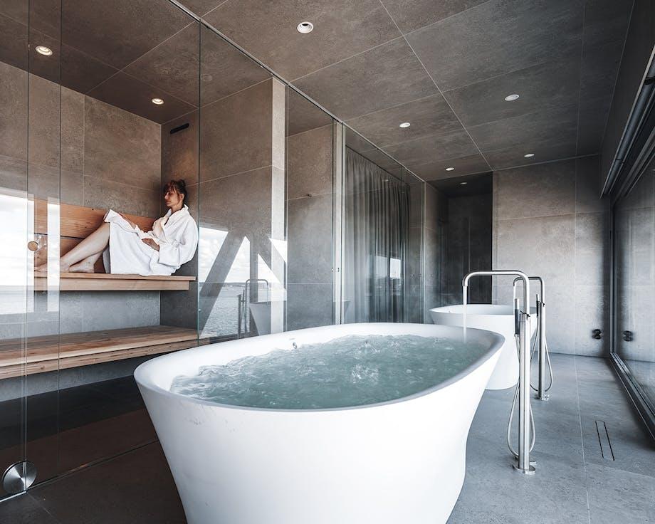 The Krane spabad med sauna og boblebad