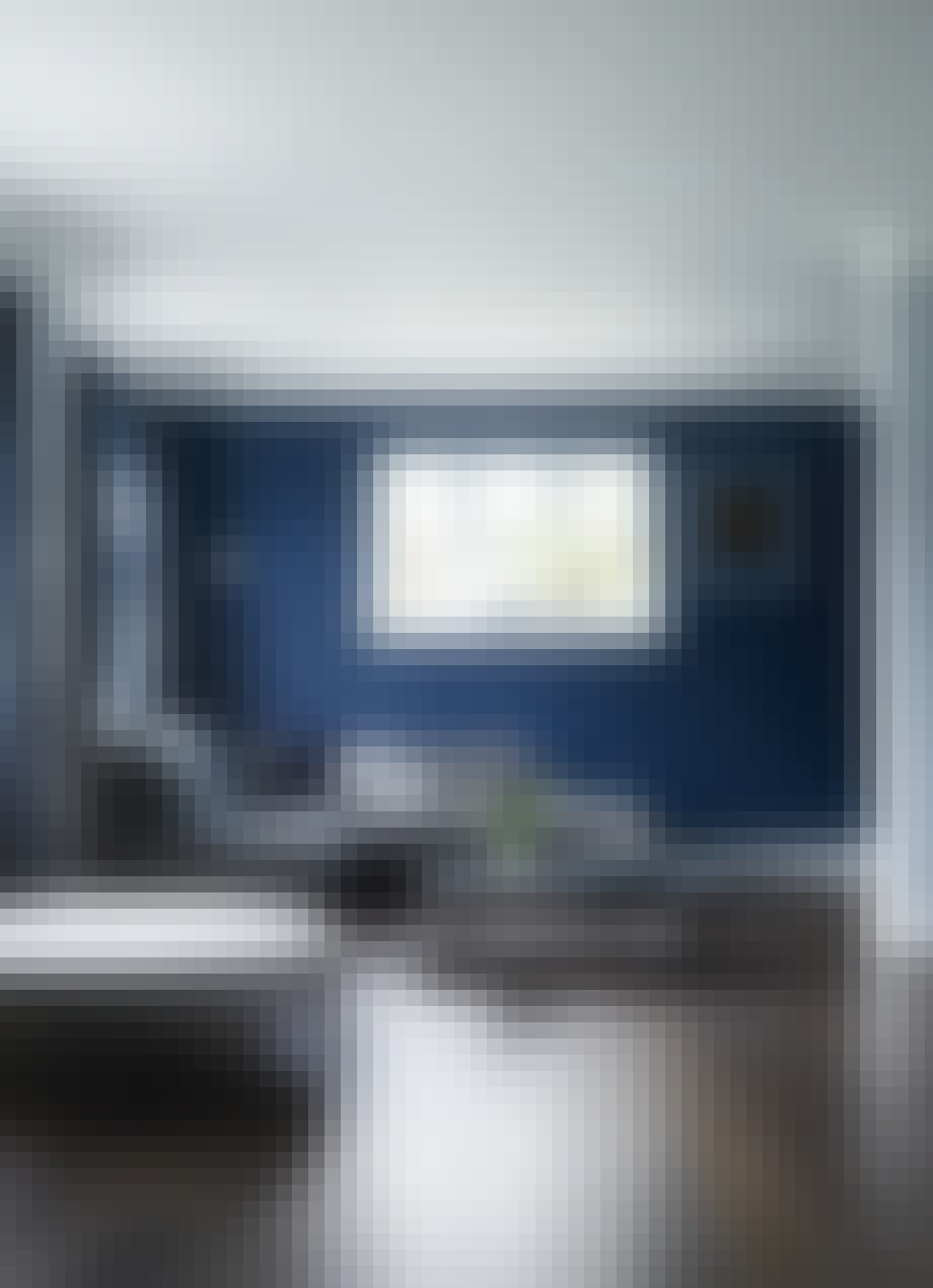 tisvilde sommerhus blå væg bonede gulve