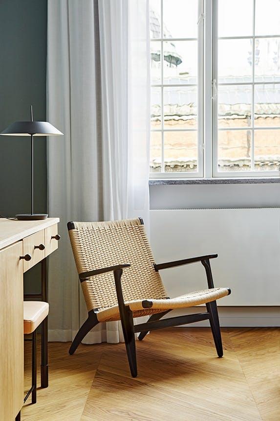 Nobis Hotel Copenhagen stol under vindue