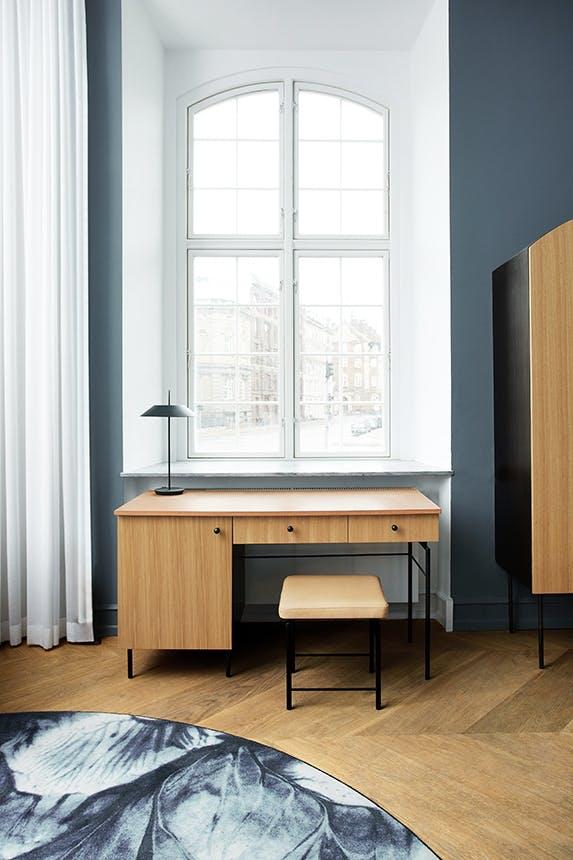 Nobis Hotel Copenhagen skrivebord under vindue