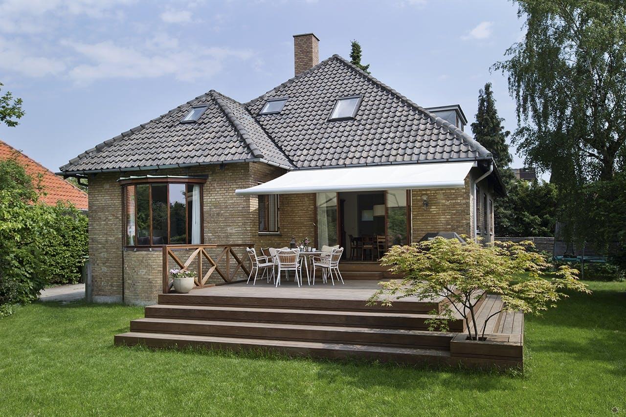 bolig reportage danske boligarkitekter murstensvilla have terrasse
