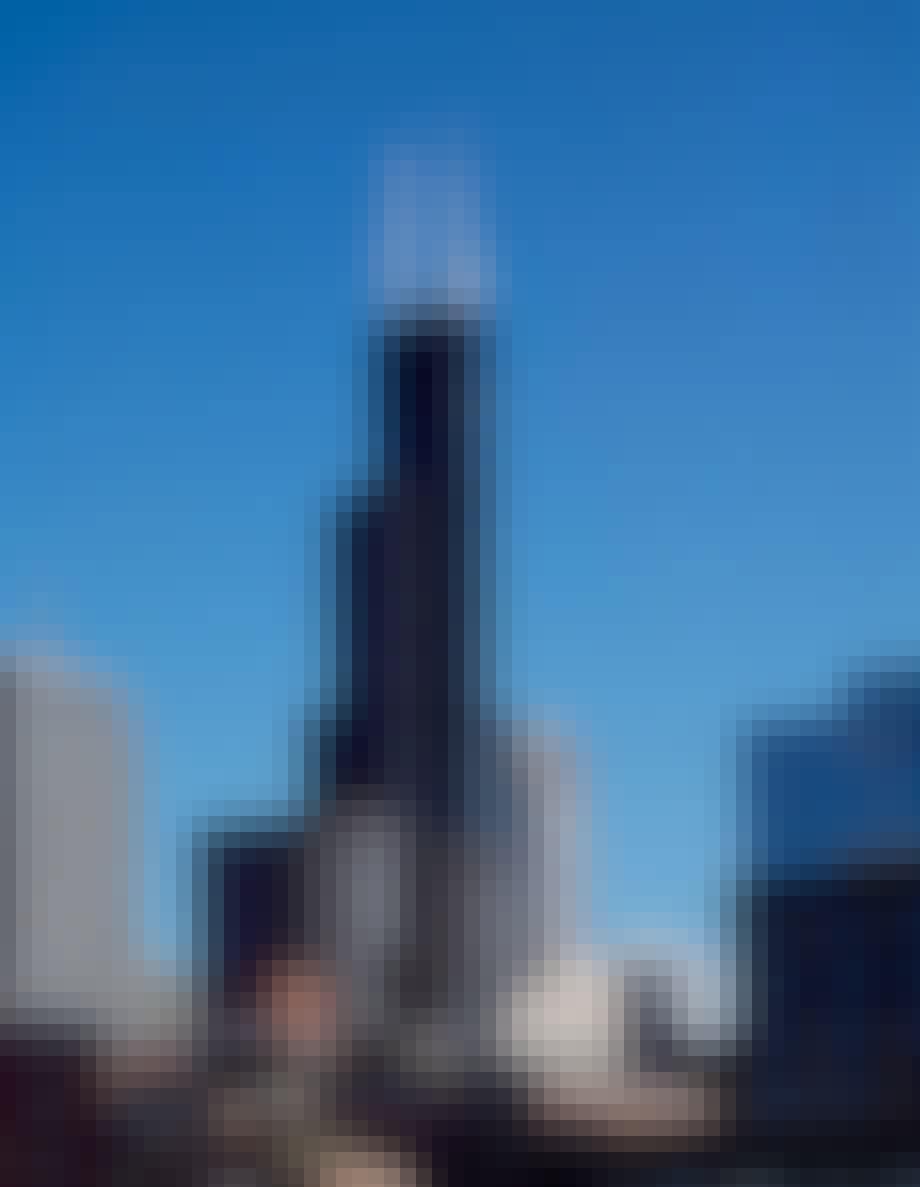 8: Willis Tower – 527 m.