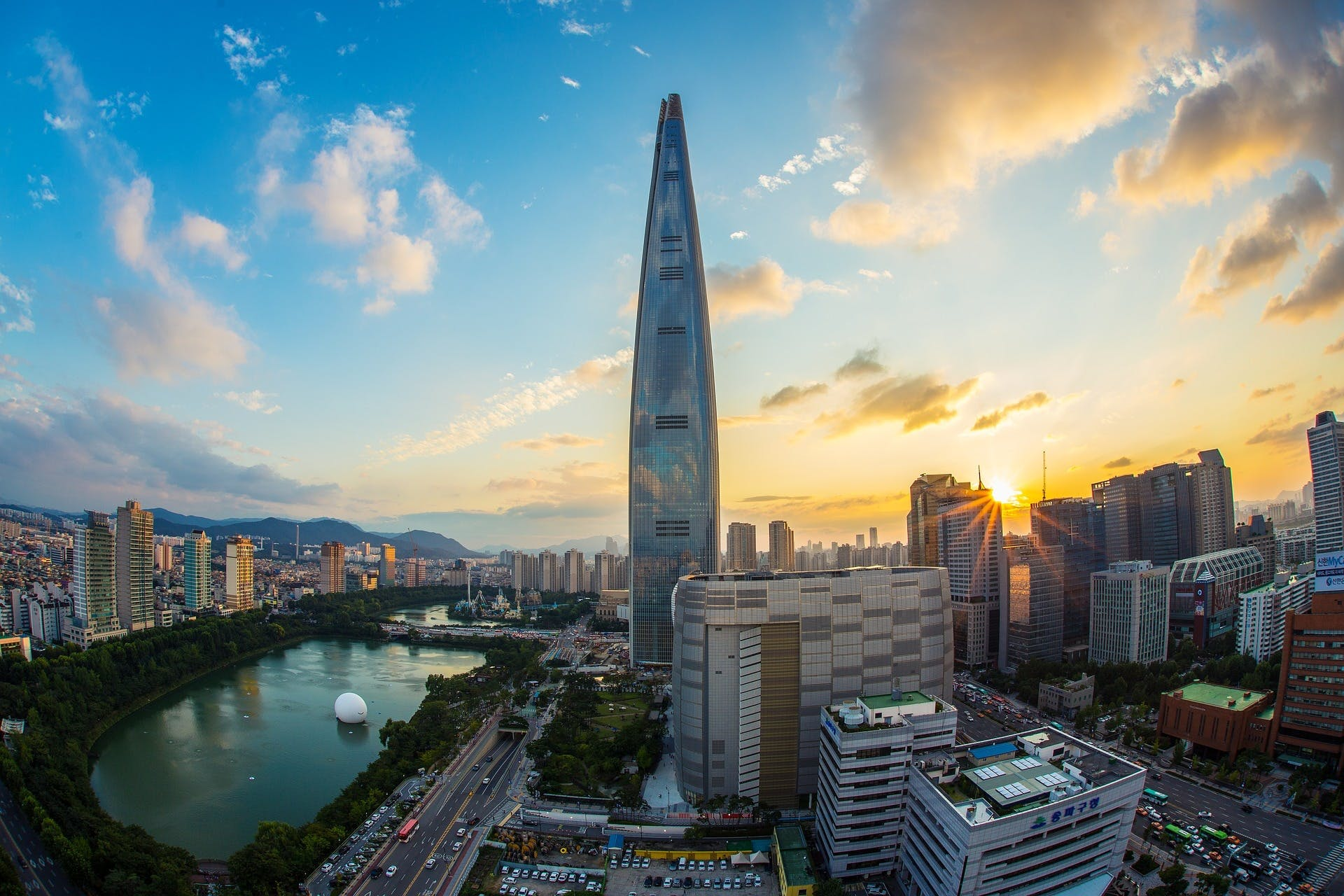 5: Lotte World Tower – 555,7 m.