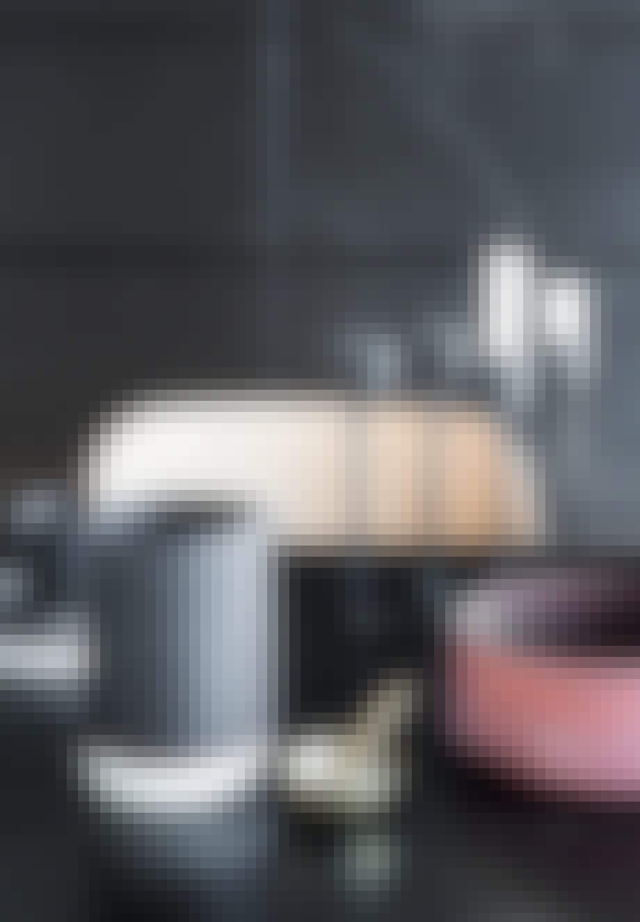 Pynteting på sort bord