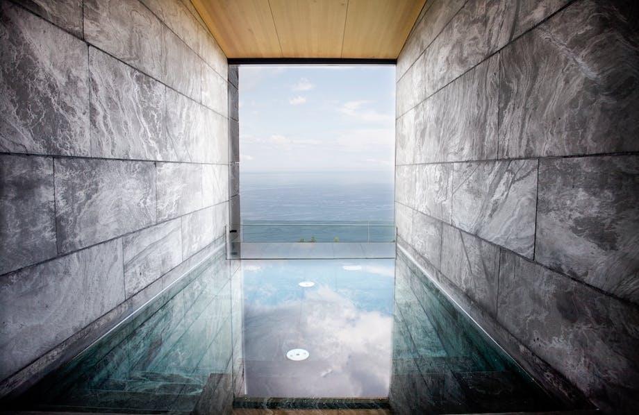 luksushotel spanien pool udsigt