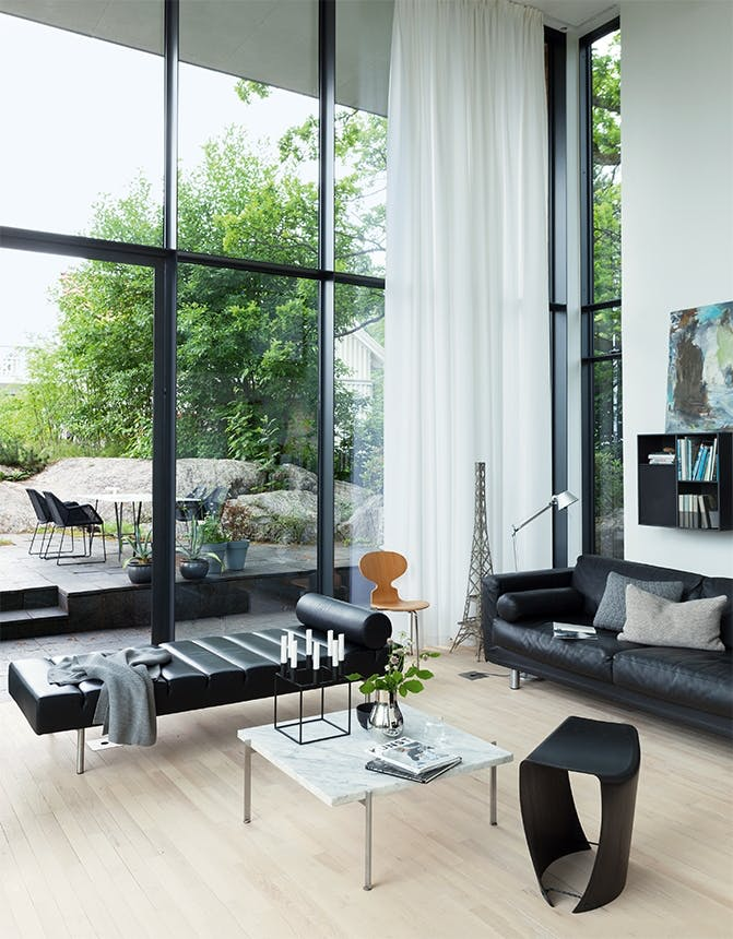 arkitekttegnet hus stue med stor glasfacade