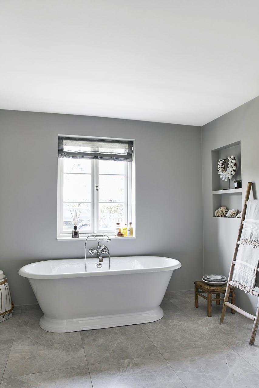 sommerhus privat badekar badeværelse