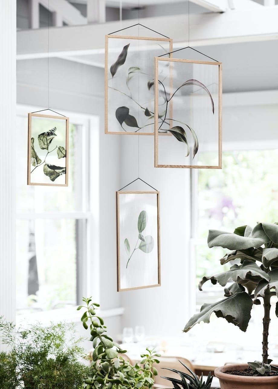 Kunst frit hængende fra loftet