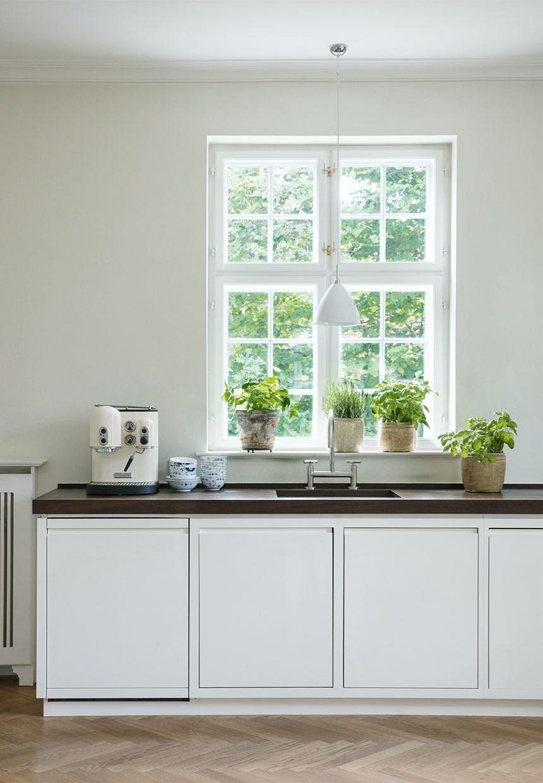 Stilrent og enkelt køkken