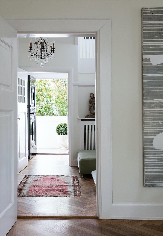 Restaureret dørkarm igennem hele huset