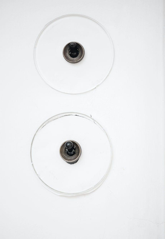 Stikkontakter i Arne Jacobsens hjem designet af ham selv