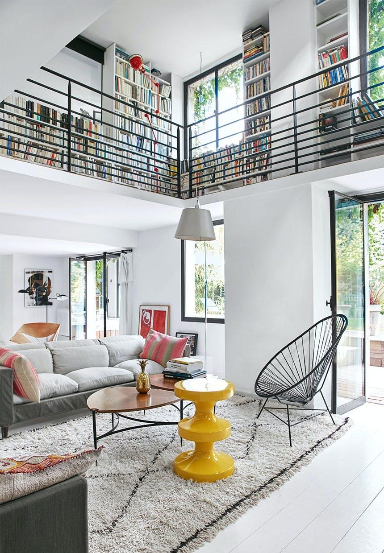 Fællesrum med højt til loftet