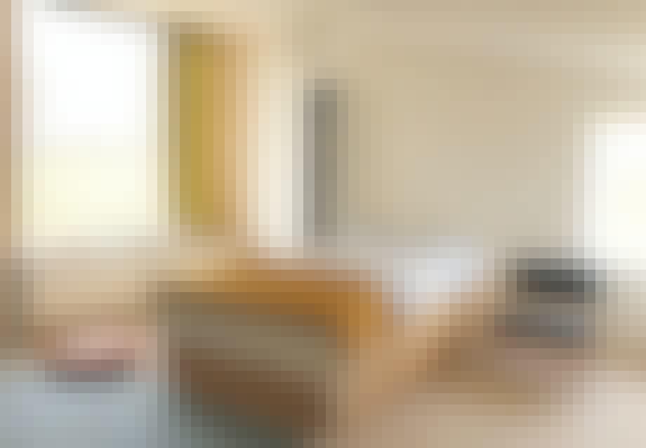 Hvilerum i atelieret med panoramaudsigt over markerne
