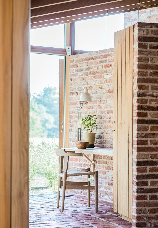 Glas på toppen af væggene