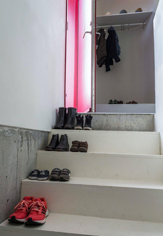Garderoben i en lille niche