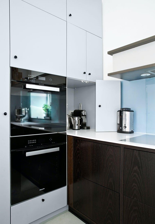 Køkkenmaskinerne kan gemmes væk